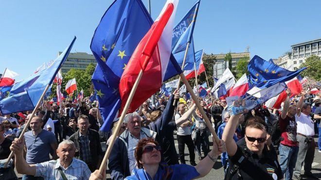 begemot, begemotmedia, новости, Польша, митинг, СМИ, Конституционный суд, Анджей Дуда