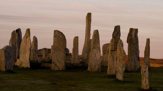 Los antiguos círculos megalíticos en Escocia que intrigan a los científicos