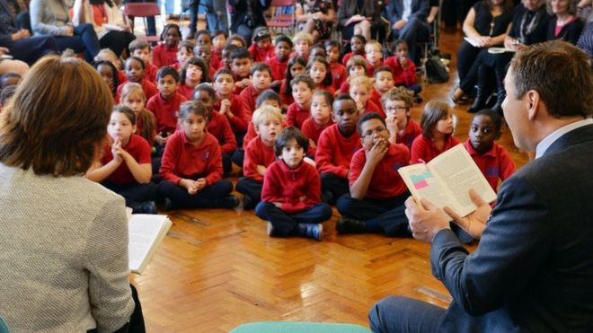Nicky Morgan and David Walliams read to primary pupils