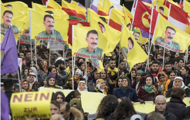 http://ichef.bbci.co.uk/news/660/cpsprodpb/F188/production/_95223816_kurds.jpg