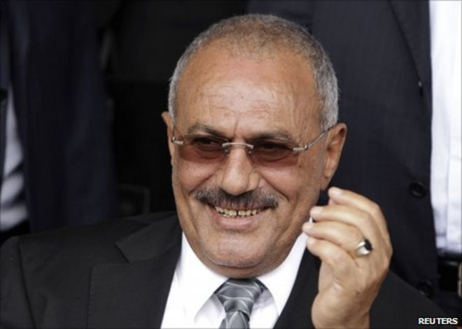 Ali Abdullah Saleh at a rally in support of his presidency in the Yemeni capital Sanaa - _52321864_011822007-1