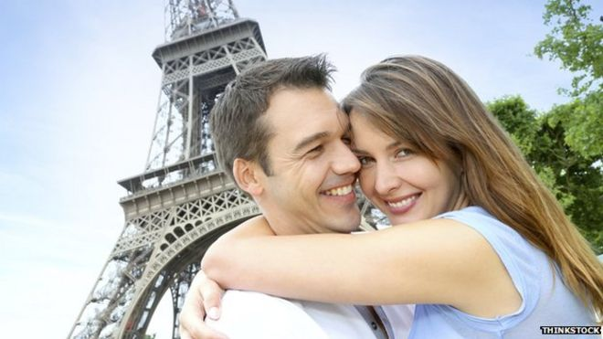 Is big data dating the key to long lasting romance    BBC News BBC Romantic couple in Paris