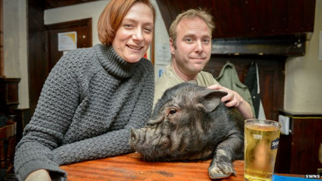 Vicky and Ian Taylor-Ross with Frances Bacon