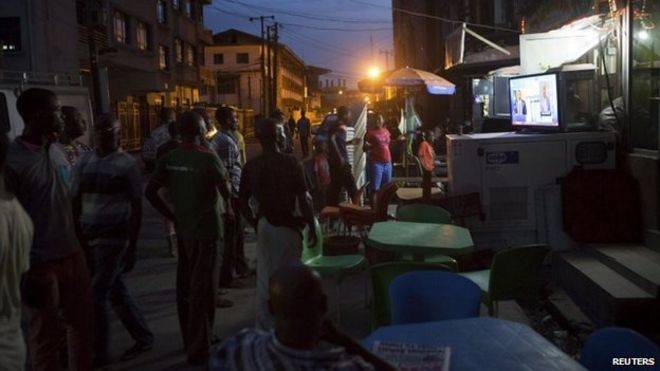 Nigeria election: Buhari 'ahead' in early counting