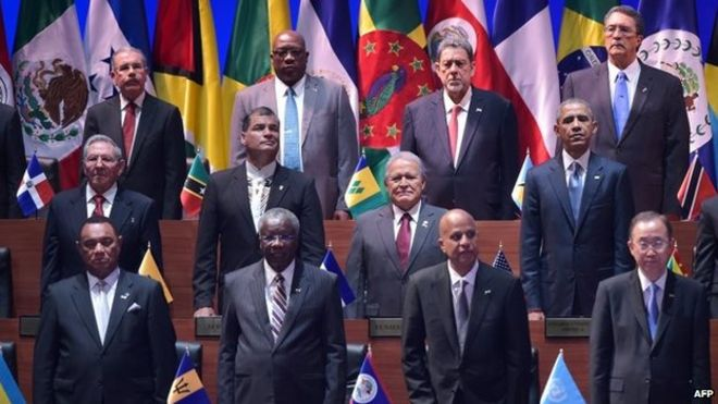Cuba's President Raul Castro and US President Barack Obama are pictured with other leaders during the opening ceremony of the Summit of the Americas in Panama City on 10 April 2015.