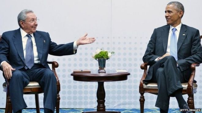 "Cuba""s President Raul Castro (L) speaks during a meeting with US President Barack Obama on the sidelines of the Summit of the Americas at the ATLAPA Convention center on April 11, 2015 in Panama City."