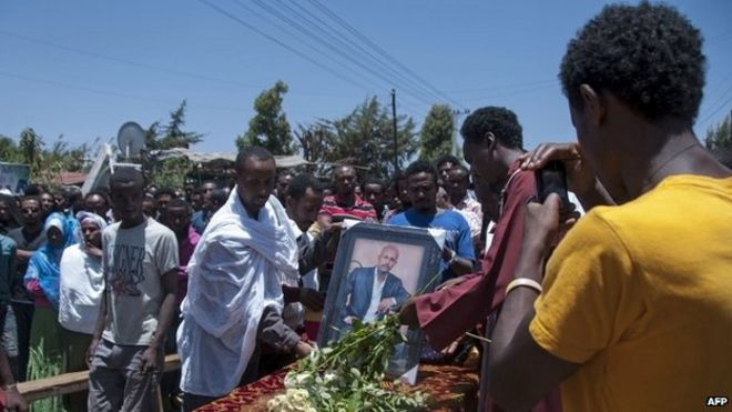 Ethiopians in Addis Ababa mourn relatives and friends killed in Libya by Islamic State (21 April 2015)