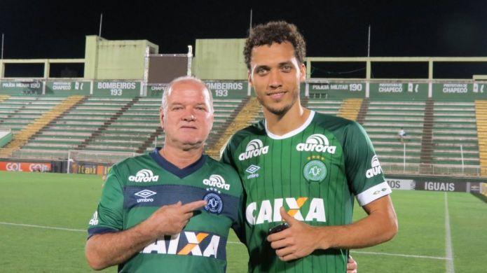 'Ele estava na relação de mortos e eu ali, na perseverança', conta mãe de jogador da Chapecoense resgatado
