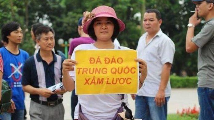 Bà Trần Thị Nga tham gia nhiều cuộc biểu tình về môi trường và chống Trung Quốc