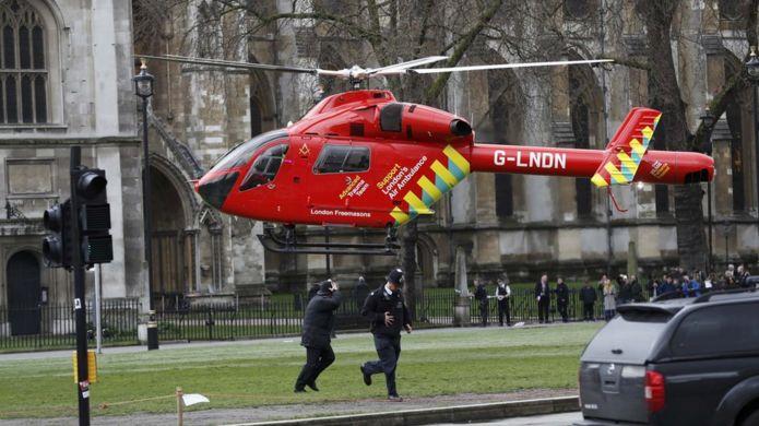 هلیکوپتر امداد در محل حادثه