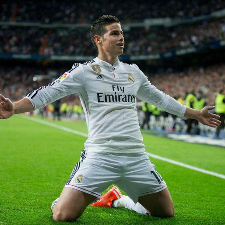James celebra un gol