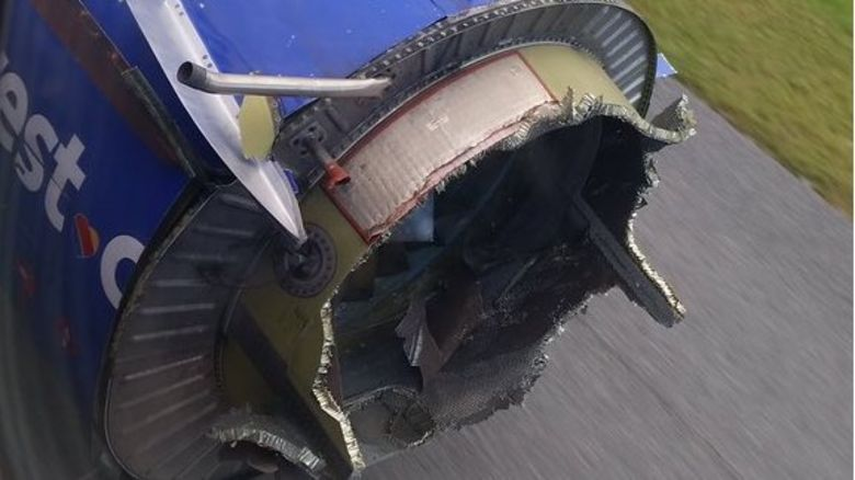 @smillerddd3 tweeted pictures of the plane's engine