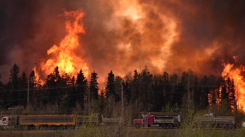 Wildfire raging in Alberta, Canada