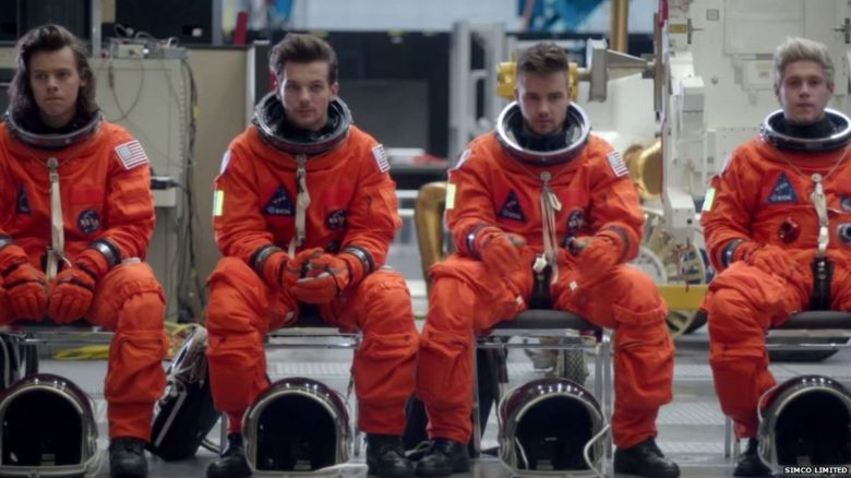 Harry Styles, Louis Tomlinson, Liam Payne and Niall Horan dressed as astronauts