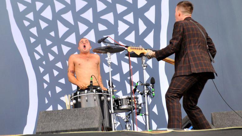 Slaves perform at Reading 2016