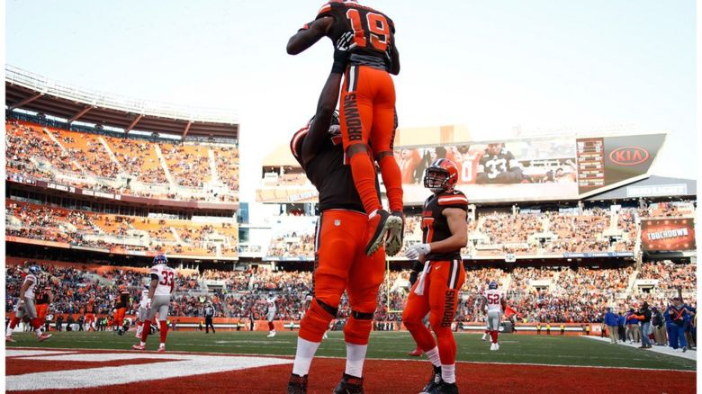 Cleveland Browns players celebrating