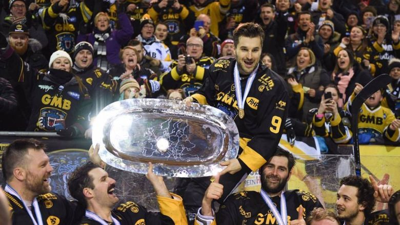 This is a photo of Alex Nikiforuk the Nottingham panthers forward hockey player.