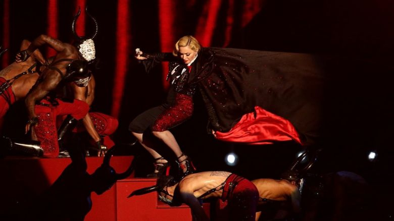 Madonna fell down the steps at the Brit Awards