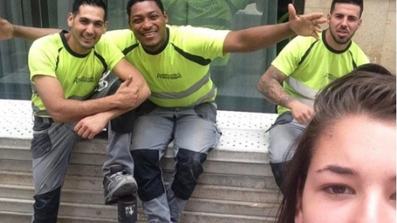 This woman takes selfies with her street harassers