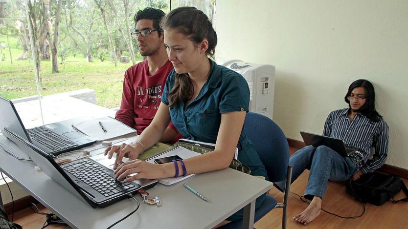 ¿En qué países te beneficia más tener un título universitario? _91202299_edu2
