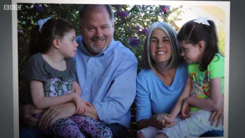 Conoce a los padres que crearon una medicina para salvarle la vida a sus dos hijas
