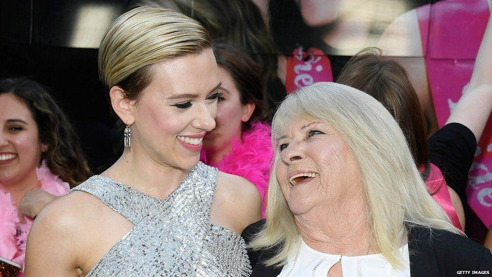 Scarlett Johansson with Geraldine Dodd