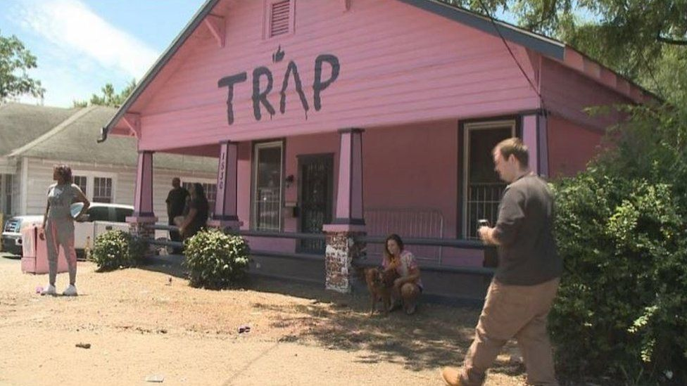 2 Chainz's pink trap house