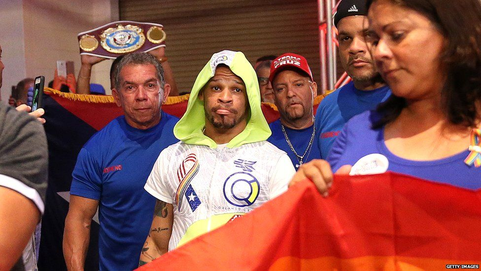 Orlando Cruz getting ready for a fight