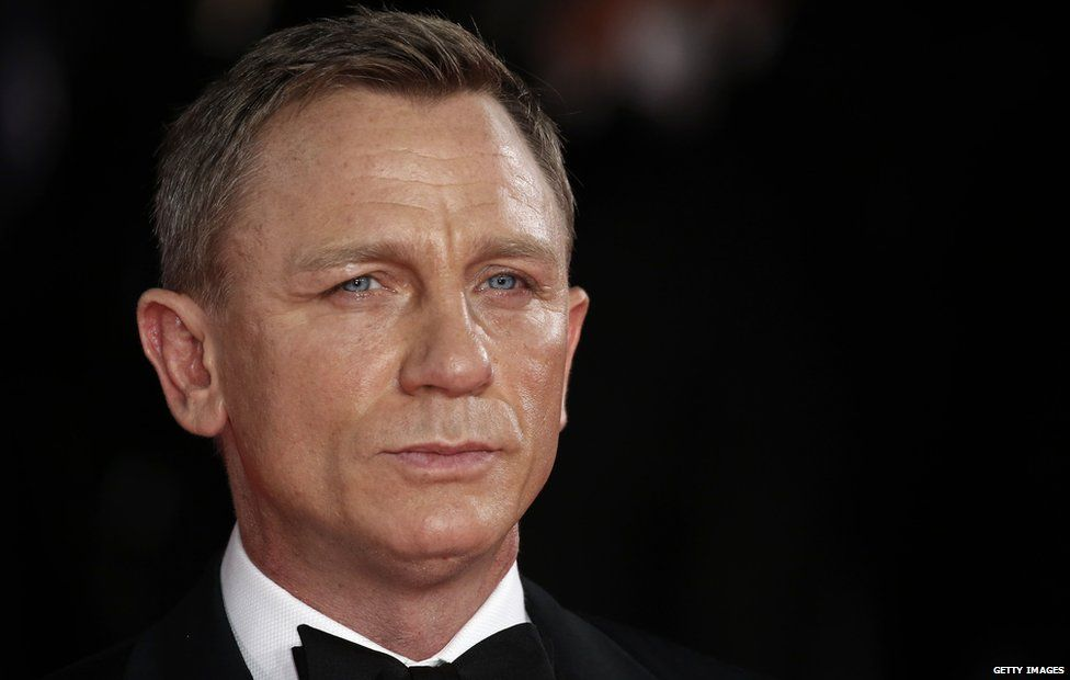 Daniel Craig confirms he'll play James Bond again - BBC ...