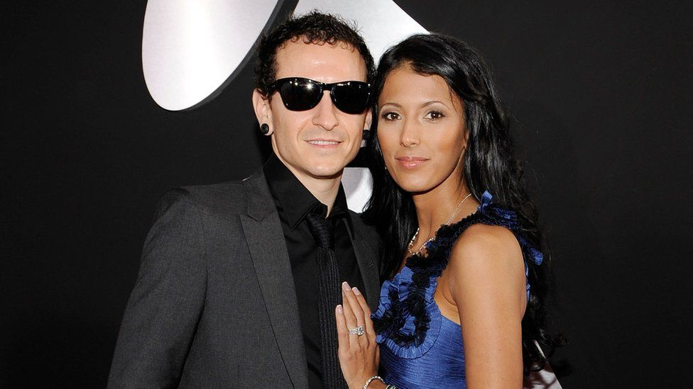 Picture of late Chester Bennington with his wife Talinda