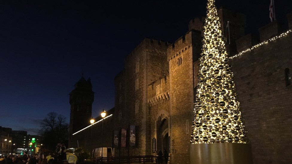 Christmas tree in Cardiff - Are These Britain's Worst Christmas Trees? - BBC Newsbeat