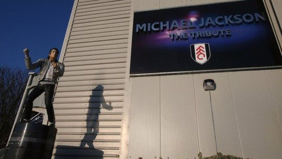 A statue of Michael Jackson was installed at Craven Cottage in 2011 but was later removed.