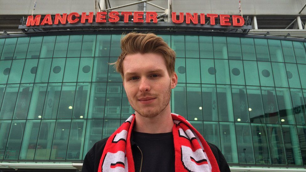 Gaz stands by Old Trafford