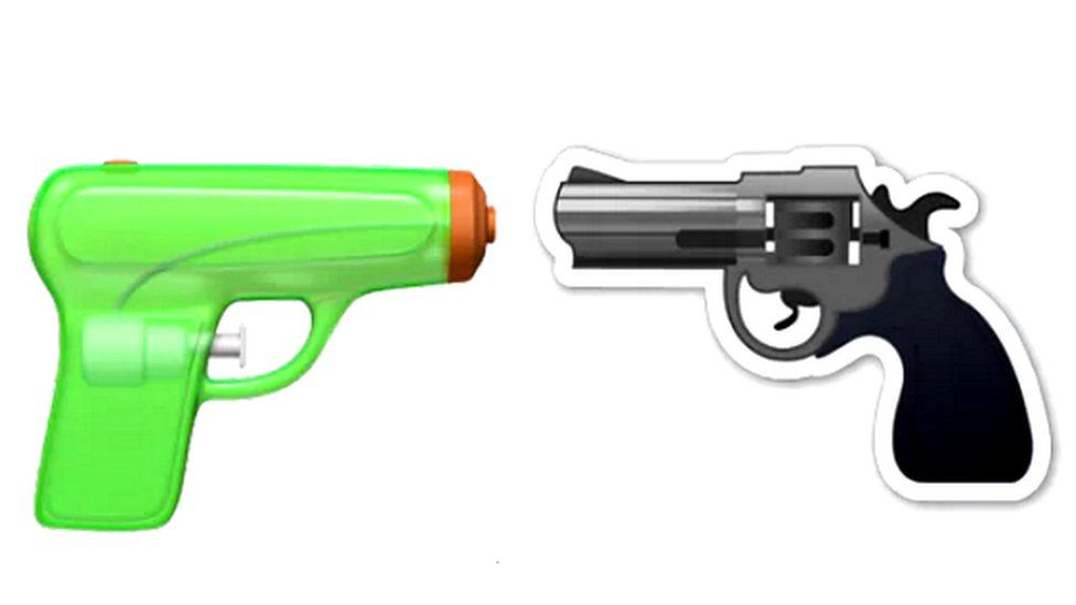 Watergun and gun emoji side by side