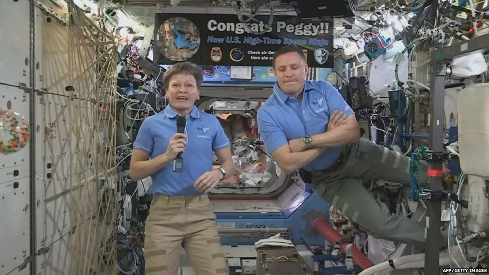 Peggy Whitson and fellow astronaut Jack Fischer
