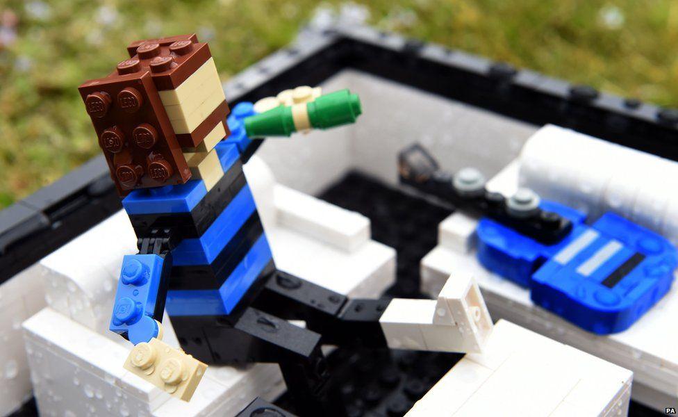 Dave Grohl Legoland figure