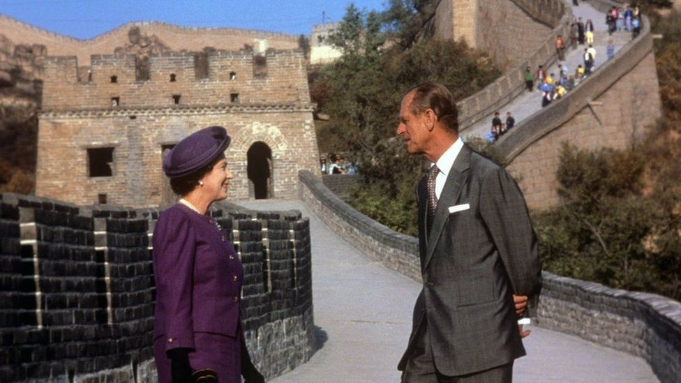 Queen Elizabeth II and the Duke of Edinburgh at the Bedaling Pass, on the Great Wall of China, on the third day of their State Visit to China in 1986
