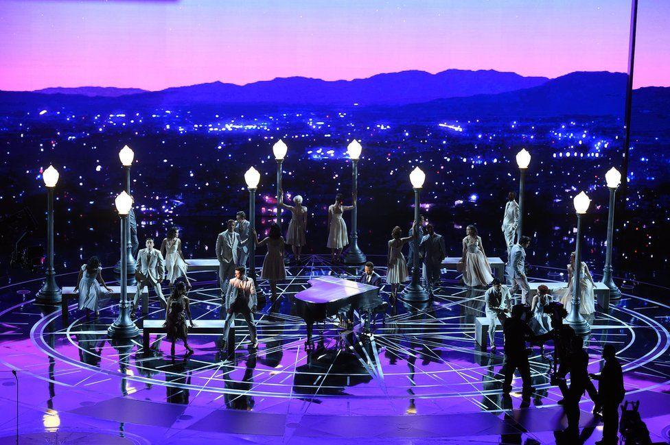 """Ледженд заспівав зі сцени """"City of Stars"""" та """"Audition""""."""
