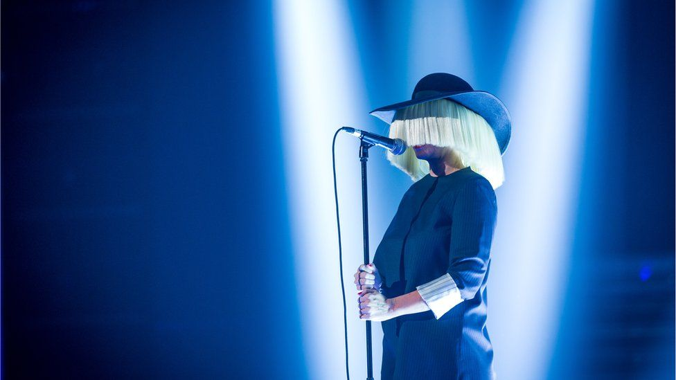 Sia and Pink team up on new track,