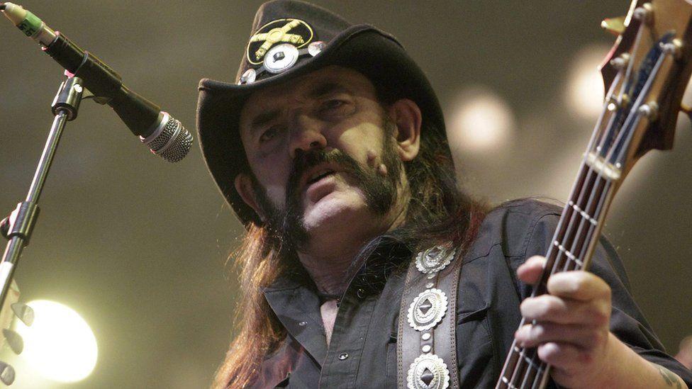 Rock world's tributes to Motörhead singer Lemmy - BBC Newsbeat