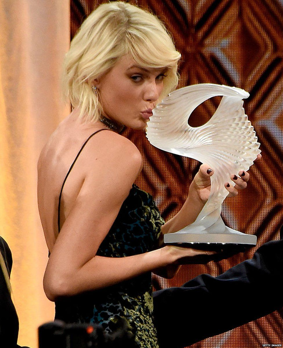 Taylor Swift's Label Head Shoots Down Rumors of October Album Release