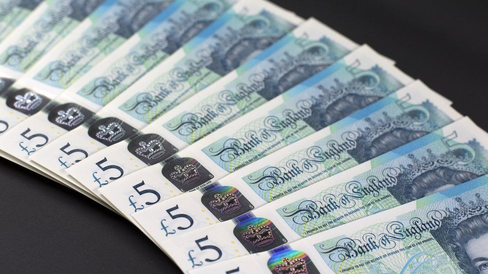 How The New Five Pound Note Plays Vinyl Records Bbc Newsbeat