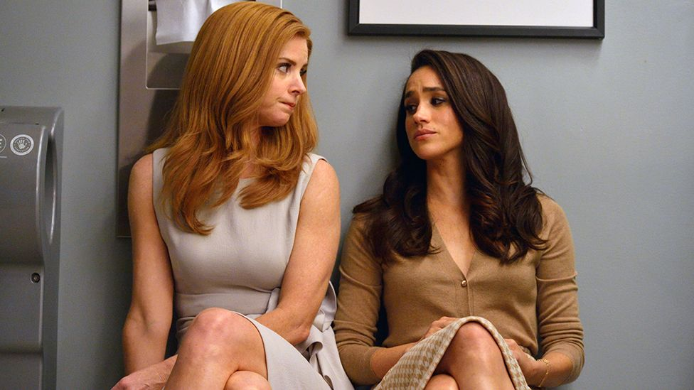 Sarah Rafferty (Donna Paulsen) and Meghan Markle (Rachel Zane)
