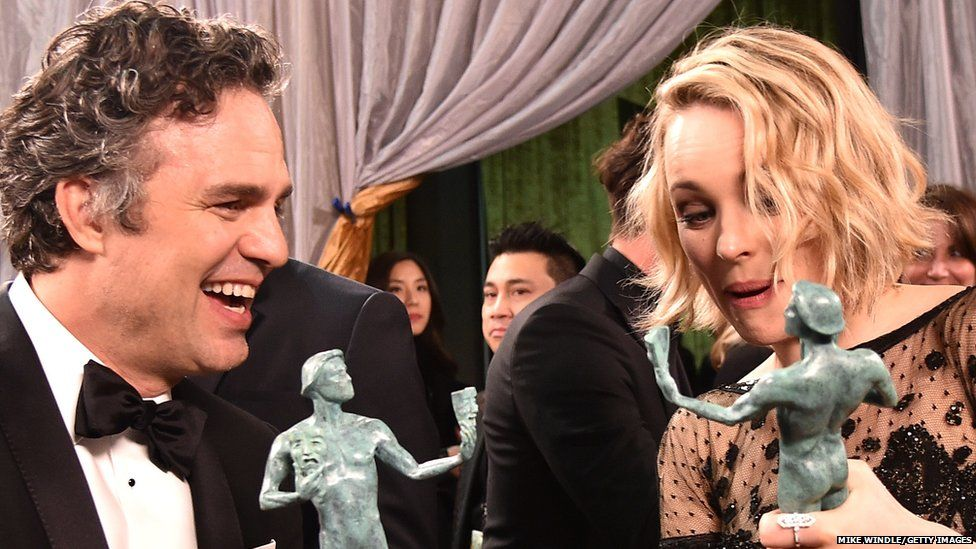 Mark Ruffalo and Rachel McAdams clutching their Screen Actors Guild Awards