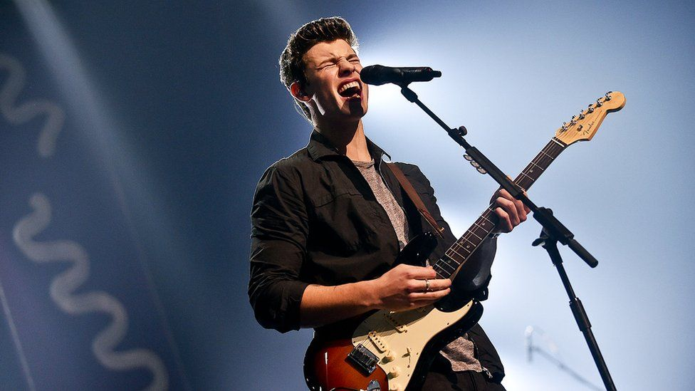 Shawn Mendes on stage