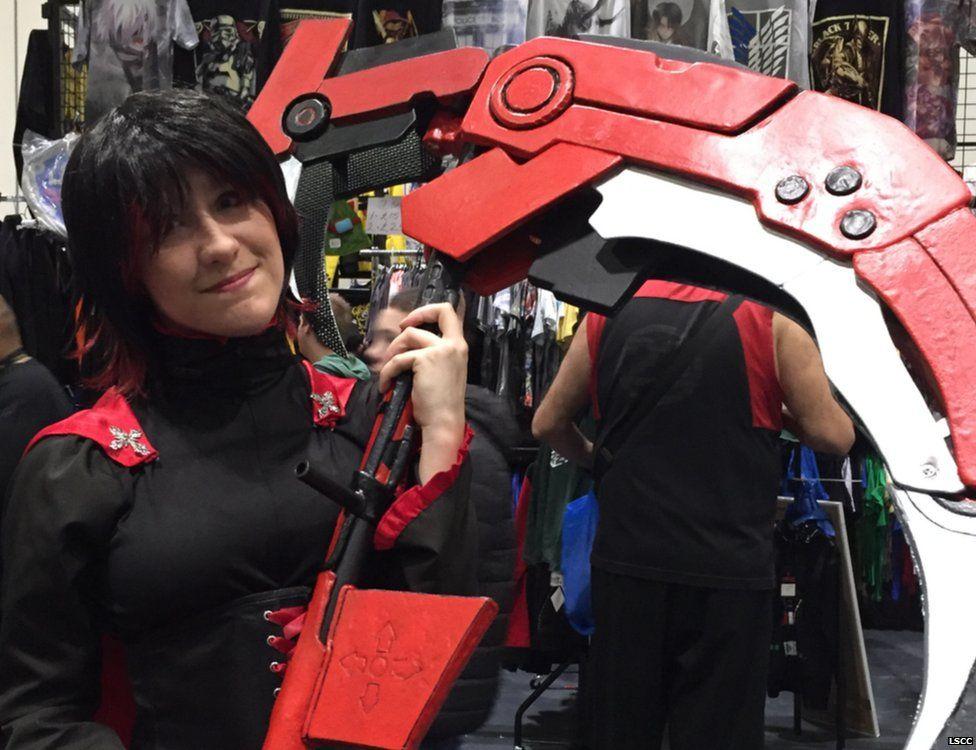 A fan dressed as Ruby Rose