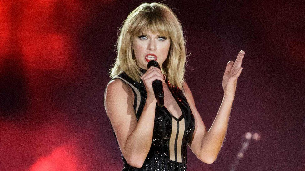 Taylor Swift's new album, 'Reputation,' is coming in November omg