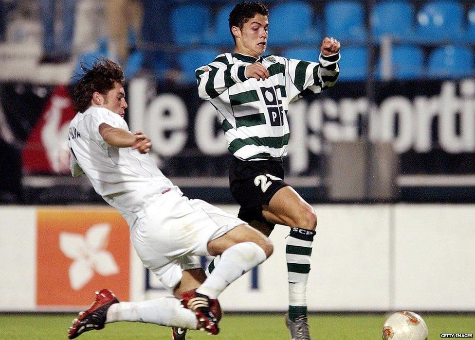 Ronaldo playing for Sporting Lisbon in 2002