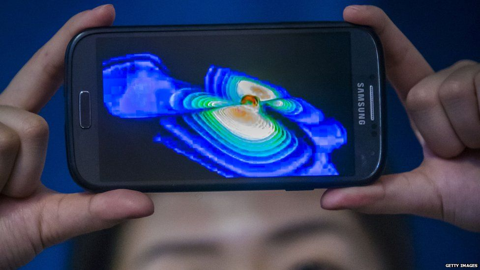 phone shows gravitational waves