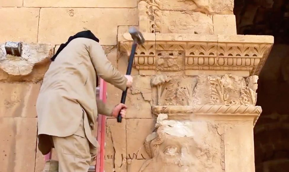 A video posted to YouTube in 2015 showed destruction of sculpted faces at Hatra